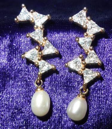 modern-pearl-drop-earrings