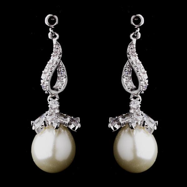 pearl-drop-earring