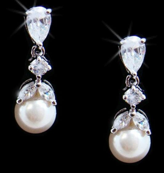pearl-med-drop-earrings