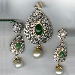 designer-pendant