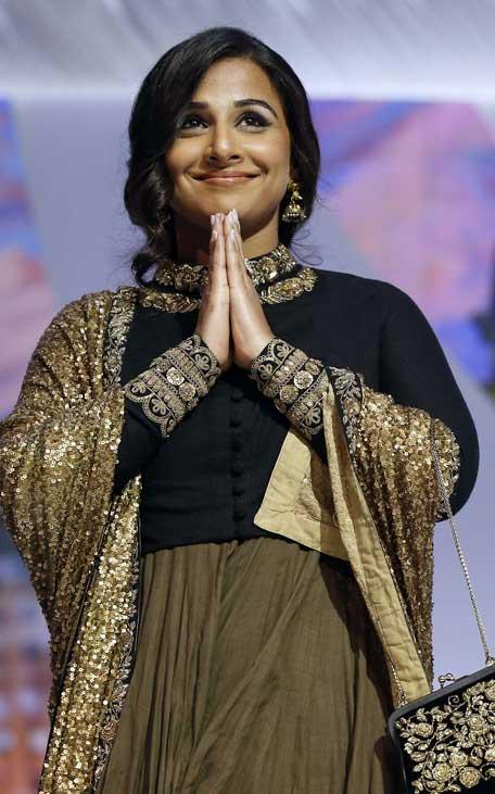 vidya-balan-long-sleeve-blouse