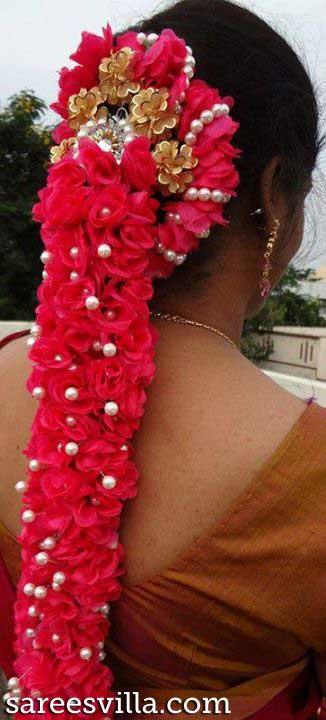 Pelli Poola Jada with Roses and Pearls